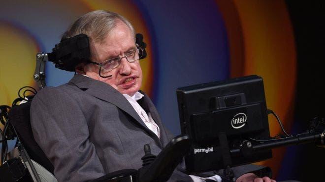 Stephen Hawking habla de un universo finito pero sin fronteras.