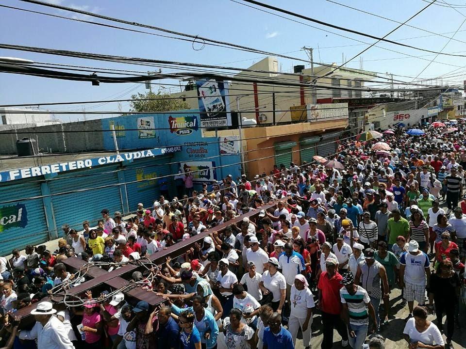 Miles de creyentes participaron en la actividad con motivo del Viernes Santo. Foto: fuente externa.