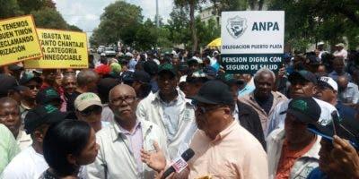 Los profesionales del sector agropecuario realizaron una manifestación frente al Palacio de Gobierno.
