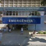 Los médicos realizaron la cesárea de urgencia y salvaron al bebé, que pesa unos 900 gramos y está ingresado en la unidad de cuidados intensivos, según informó el hospital.