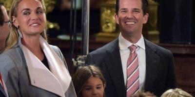 Donald Trump, Jr. y su esposa Vanessa. AFP