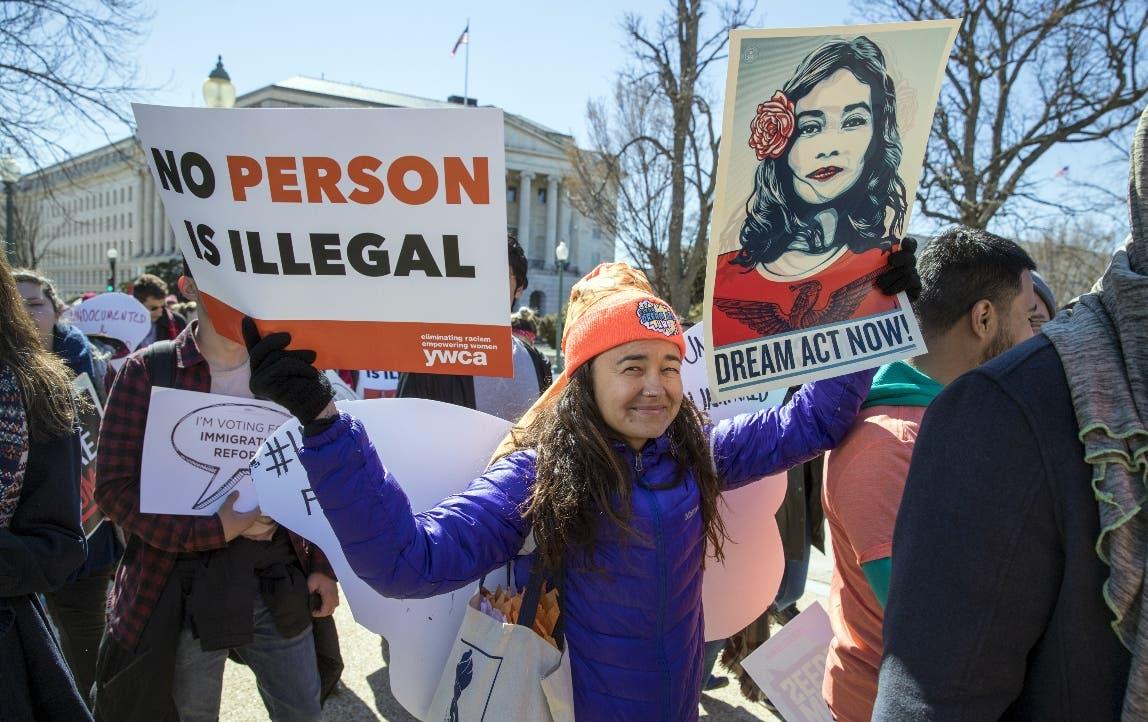 "Miles de manifestantes critican fracaso de Trump respecto a los ""soñadores»"
