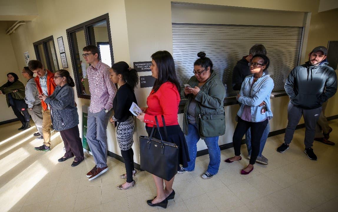 Realizan la primera elección primaria en Texas