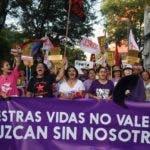 Mujeres marchan en Asunción.