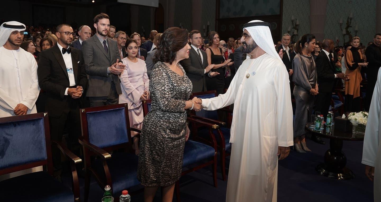 La vicepresidenta de República Dominicana, Margarita Cedeño, saluda al primer ministro y vicepresidente de los Emiratos Árabes Unidos, Mohammed binRashid Al Maktoum.