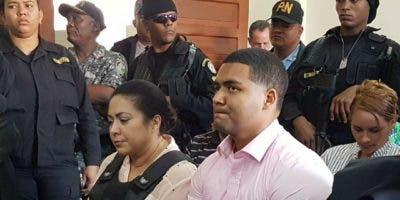 Marlin Martínez y su hijo Marlon están acusados de la muerte de la joven Emely Peguero. Foto tomada de @Telenoticiasrd