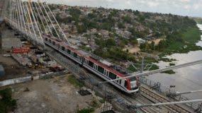 La línea 2B del Metro de Santo Domingo va desde la cabecera oriental del puente Francisco del Rosario Sánchez hasta Megacentro.