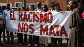 La demostración contra el racismo fue realizada frente al Parque Duarte, de la Zona Colonial.