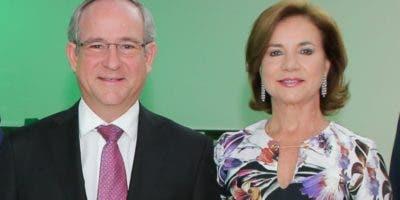 Roberto Zamora y María Josefina Terán de Zamora.