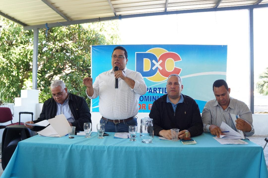 Manuel Oviedo Estrada, ofrece detalles de las decisiones aprobadas por el Consejo Ejecutivo Nacional de DxC.