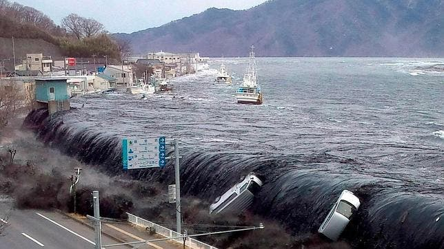 Un tsunami de 21 metros de altura azotó Fukushima el 11 de marzo de 2011