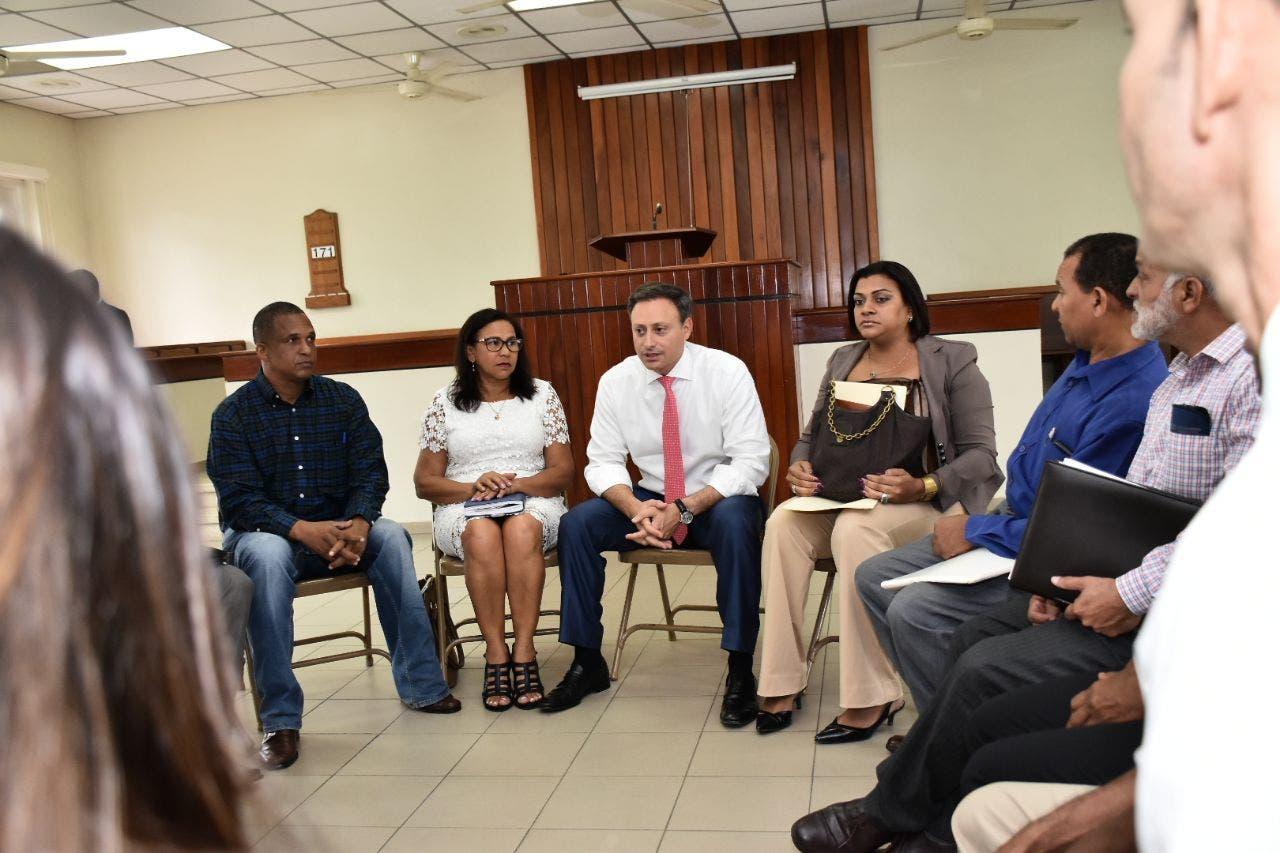 El procurador Jean Rodríguez dijo que la actividad se enmarca dentro de las acciones del plan de trabajo institucional, con el cual buscan acercarse a la comunidad para conocer de cerca las principales problemáticas que les aquejan y darle la respuesta que cada situación amerite.