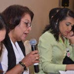 Gerentes y directores regionales de SeNaSa y el SNS en la sesión de trabajo conjunta.