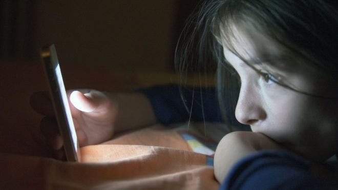 """Según una encuesta entre adolescentes estadounidenses, el 6% de los participantes había incurrido en esta forma de """"autolesión digital""""."""