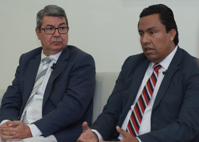 Los directores Eduardo Galíndez y César Gómez.