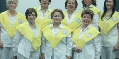 Parte de las damas d  el Voluntariado.  Elieser  tapia