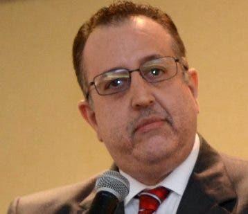 Magín Díaz, titular de Impuestos Internos.  archivo