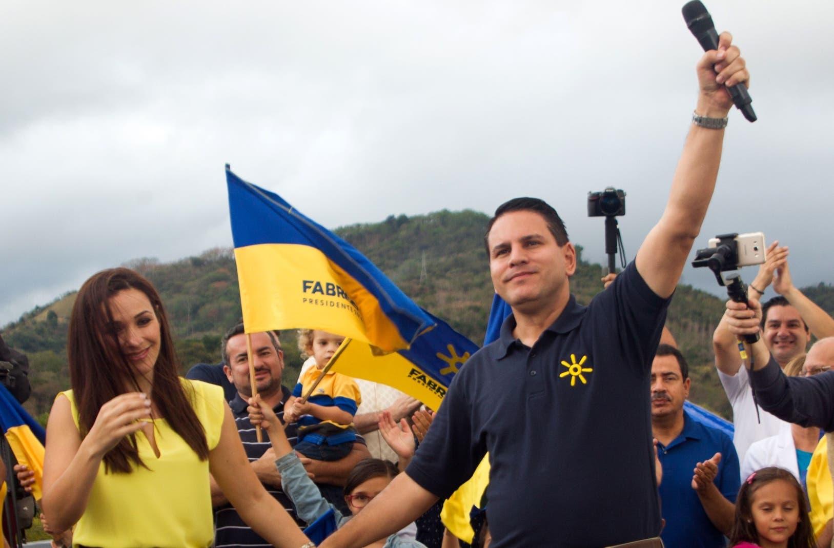 Fabricio Alvarado, uno de los favoritos en la segunda vuelta, con 43 años, podría gobernar Costa Rica desde mayo.  AP