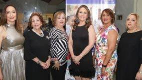 Nora Pellerano, Belkis Palacios, Mery Morris, Licelotte Baigés, Ana  Salcedo y Gisela Sanquintín.