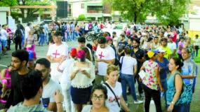 Venezolanos cuando votaron en   consulta de la oposición contra el Gobierno de Maduro.