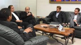 Politólogos y representantes de la Iglesia durante entrevista en EL DÍA.   Alberto calvo.