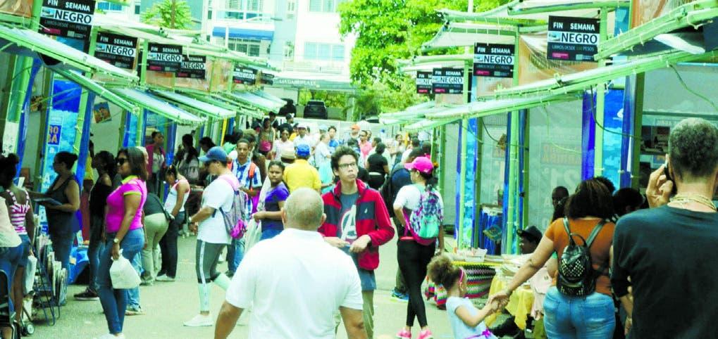 En dos últimos días el recinto ferial en la Plaza de la Cultura goza del respaldo total del público.  JOSE DE LEÓN