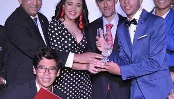 Parte de los ganadores del festival Loyola