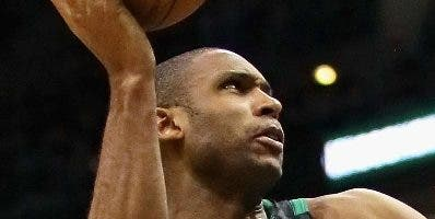 Al Horford no pudo impedir derrota de los Celtics. aP