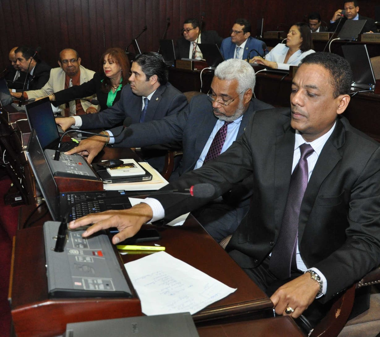 Los diputados del PLD están divididos con relación a las primarias abiertas.  archivo