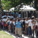 Cientos de estudiantes visitan la Feria del Libro.  Yanet FÉliz