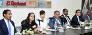 Iván Gatón,  Nilka  Jansen Solano, Yolanda Martínez, Juan Bolívar Díaz, Víctor Mateo  Vásquez, Juan Reyes y Marino Hilario.