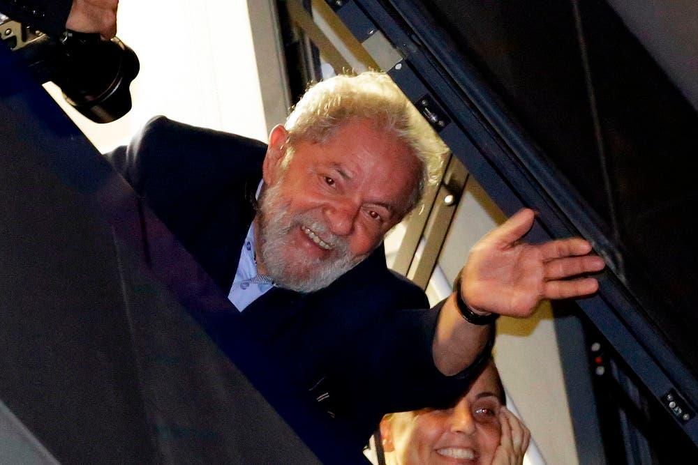 Lula incumple orden de entregarse a autoridades