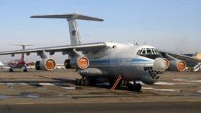 Foto de archivo de un avión Ilyushin Il-76 como el que se estrelló hoy en Argelia. La aeronave   puede transportar, según la configuración, entre 126 y 225 pasajeros.  / AFP / STR