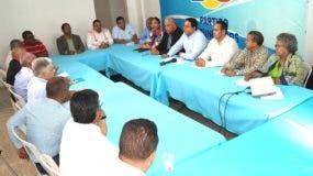 Miembros de Consejo Político Nacional del Partido Dominicanos por el Cambio (DXC).