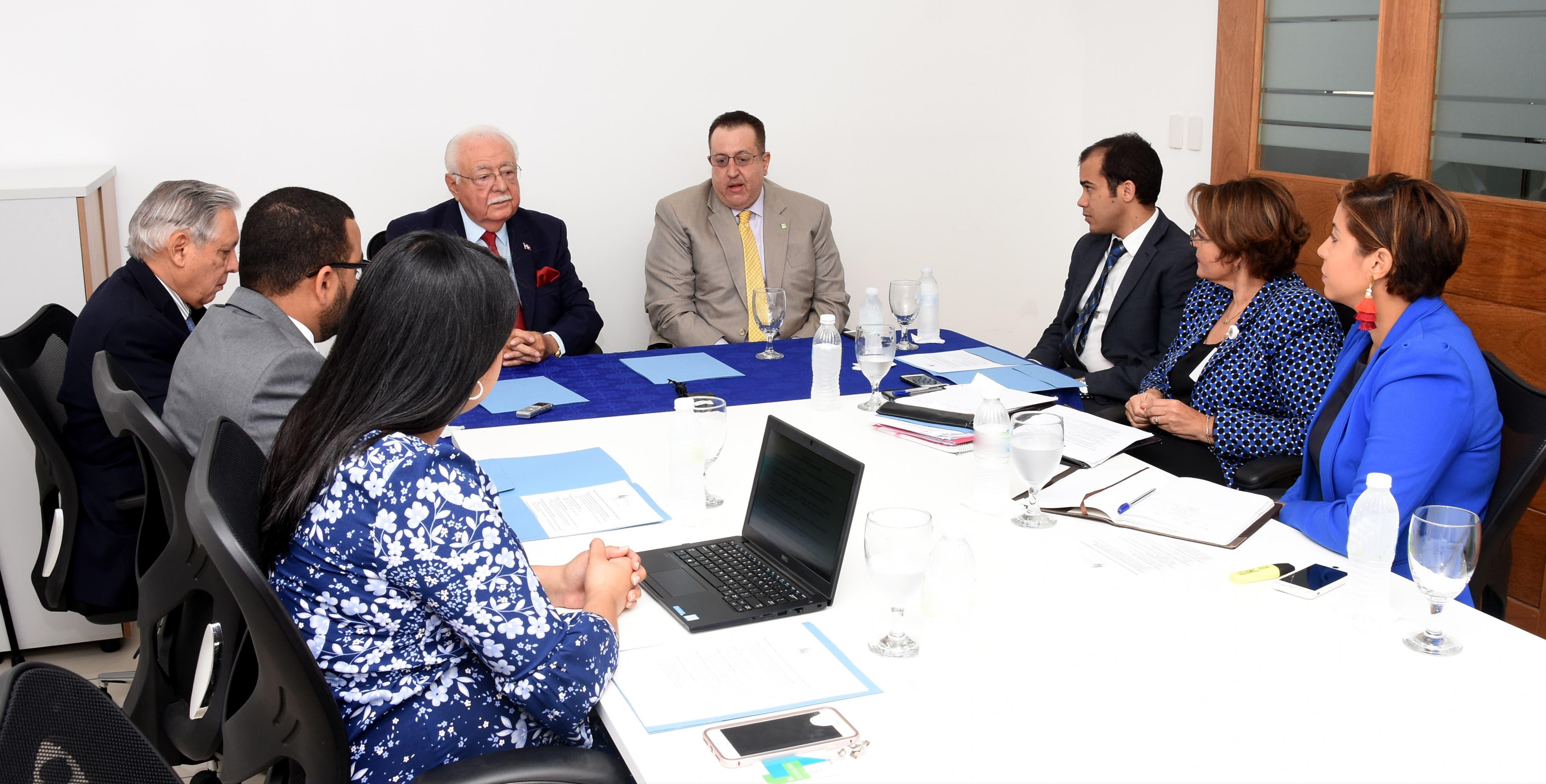 Energía y Minas y DGII fortalecen seguimiento a aspectos fiscales de las mineras