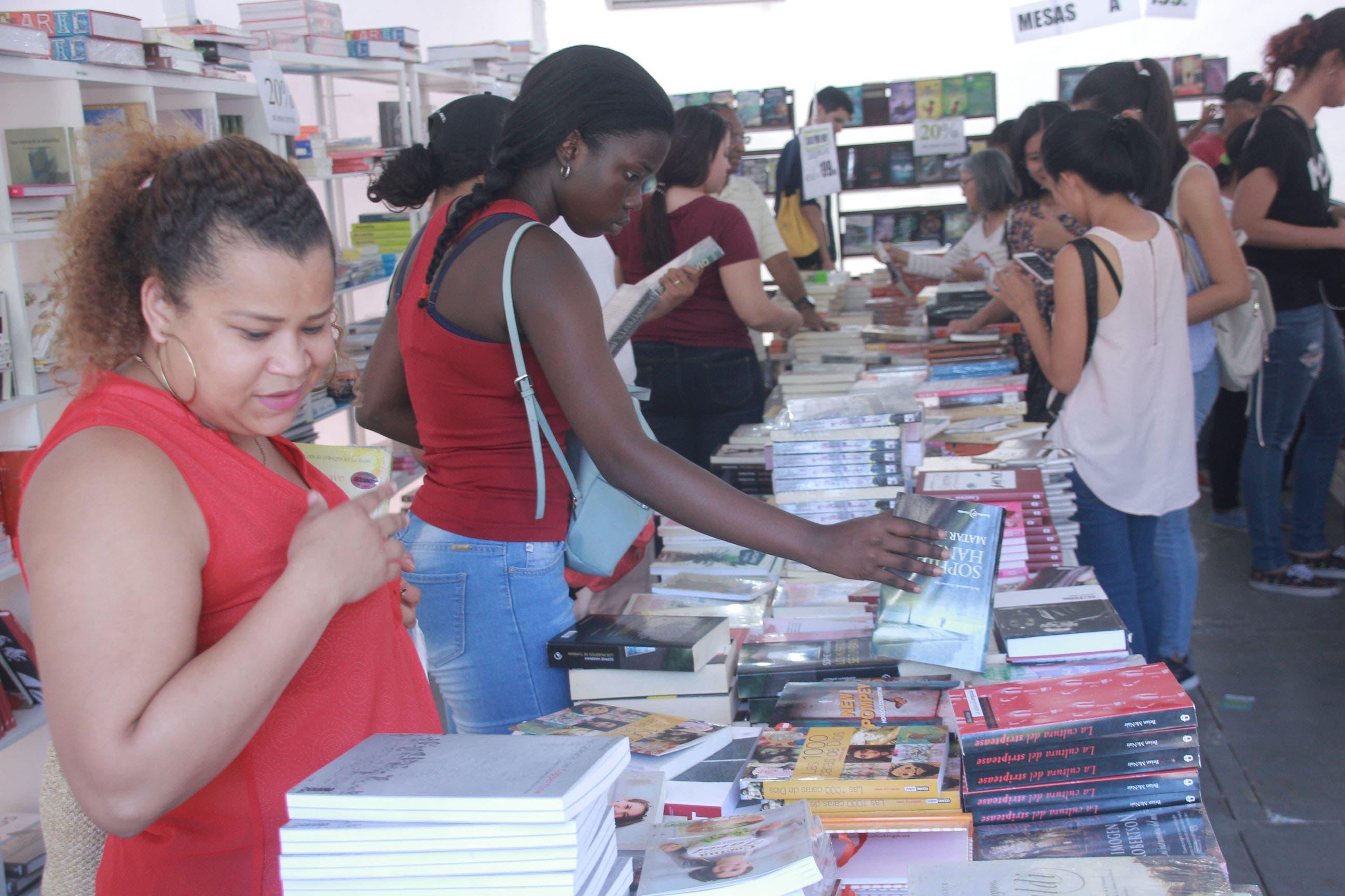 FLSD2018: Comerciantes aseguran venta de libros ha sido más fluída que el año pasado