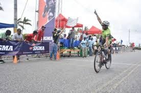 Edwin Fernández se impone en la categoría Máster A de  ciclismo Sigma