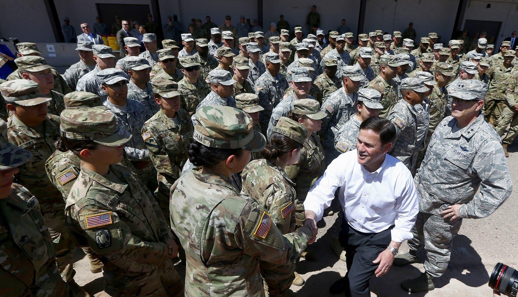 Arizona envía a 225 soldados de la Guardia Nacional a la frontera con México