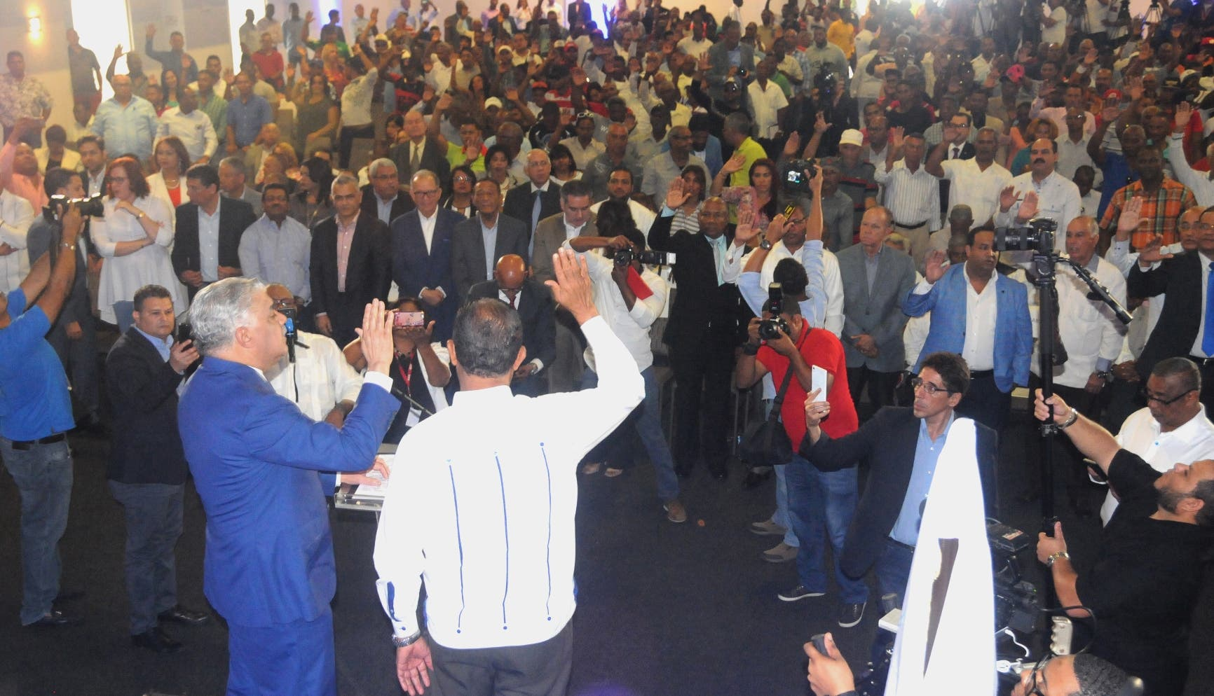 Antonio Marte y transportistas de «Primero la Gente» retornan al PRD