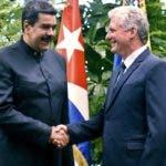 Maduro y Díaz-Canel celebraron su primera reunión oficial en el Palacio de la Revolución de la capital cubana. AP
