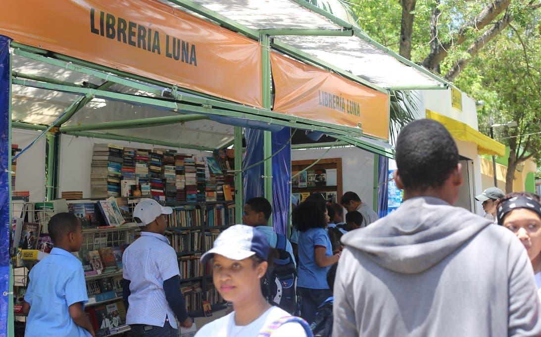 La Feria del Libro con ofertas de libros y otros atractivos para el fin de semana largo