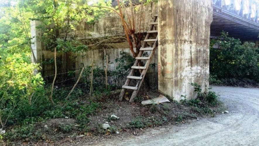 imploran-de-las-autoridades-terminacion-puente-a-medio-construir-en-comunida-de-maimon-i
