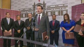 Ito Bisonó dijo en Perú que la solución a los problemas de Haití no deben recaer exclusivamente en República Dominicana y que debería buscarse una salida compartida.