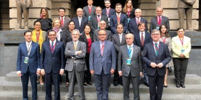 navarro-junto-a-ministros-de-educacion-de-iberoamerica