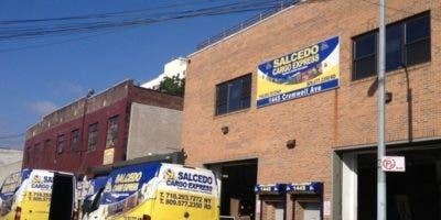 La empresa de transporte de mercancías Salcedo Cargo Express es propiedad de un primo del senador Huáscar Canaán, primo del senador por la provincia Hermanas Mirabal, Luis René Canaán.
