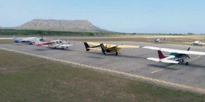 Parte de los aviones que aterrizaron hoy en Montecristi.