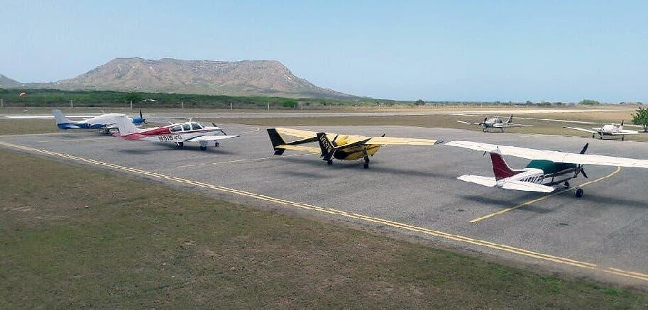 Llegan a Montecristi los primeros 12 aviones como resultado de feria para atraer turismo aéreo