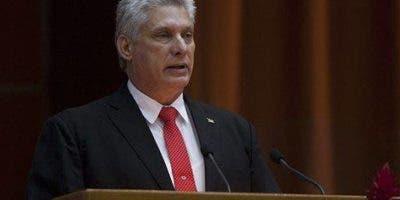 Miguel Díaz-Canel se dispone a entrar en el libro de la historia de Cuba como el primer presidente del poscastrismo.