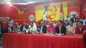 Las autoridades del PRSC ofrecen declaraciones de lo acordado en la reunión de la Comisión Ejecutiva. Degnis de León.