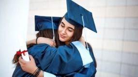 Para el profesor Bryan Caplan, los estudiantes no obtienen mucho de la educación superior cuando salen a la vida real.